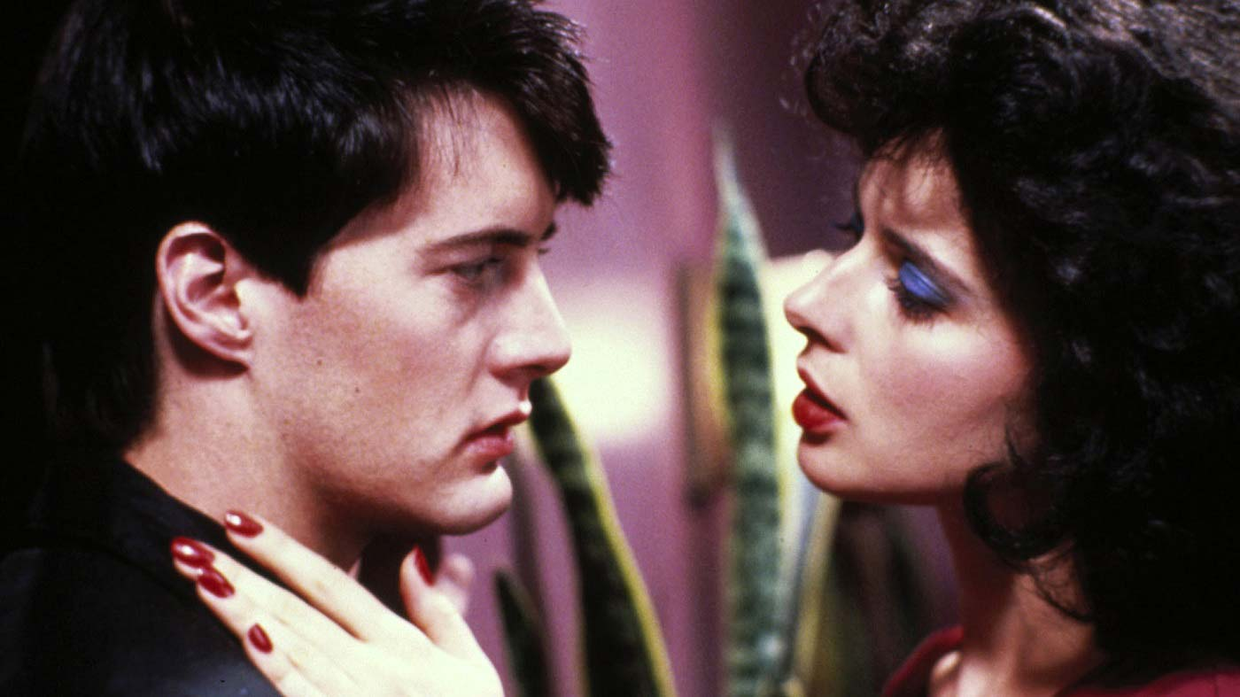 blue-velvet-critique-lynch-film