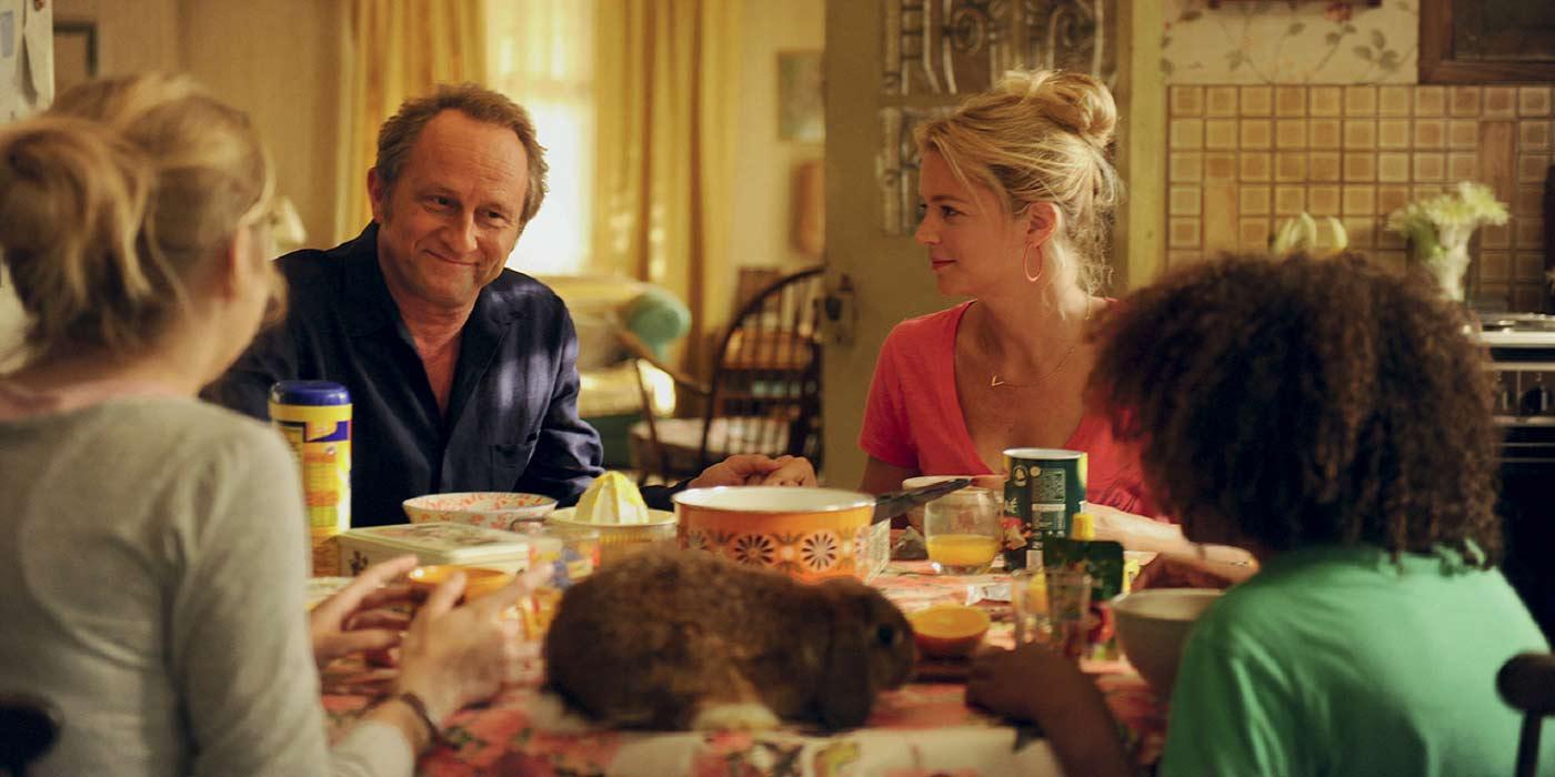 une-famille-a-louer-film-Jean-Pierre-Ameris-critique-cinema