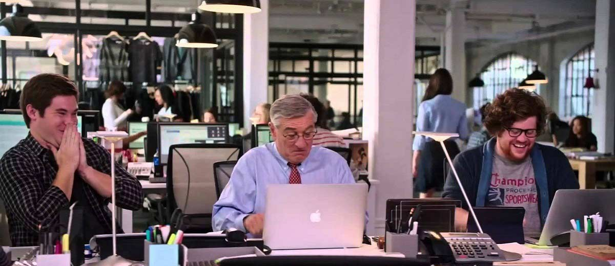 the intern le nouveau stagiaire de niro par nancy meyers. Black Bedroom Furniture Sets. Home Design Ideas