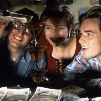 petits-meurtres-entre-amis-danny-boyle-film-critique-eccleston-fox-mcgregor-argent