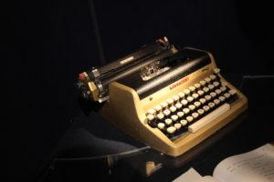 machine-ecrire-fleming-exposition-james-bond