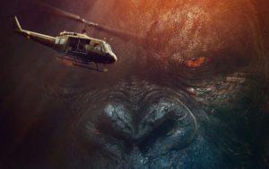 kong-skull-island-film-helicoptere-gorille