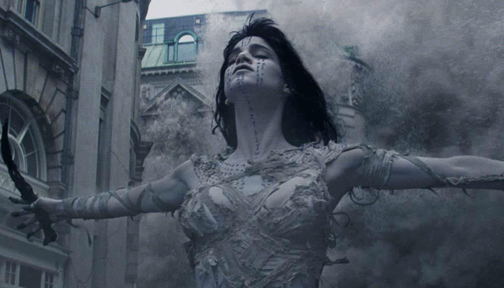 Sofia-Boutella-dans-le-film-la-momie-Dark-Universe