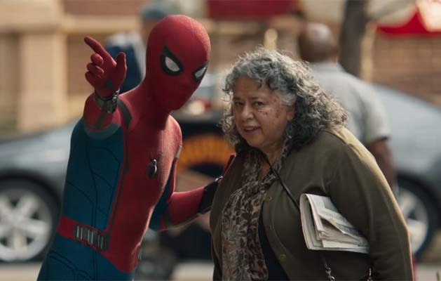 spiderman-tomholland-spidermanhomecoming-vieillefemme-old-lady
