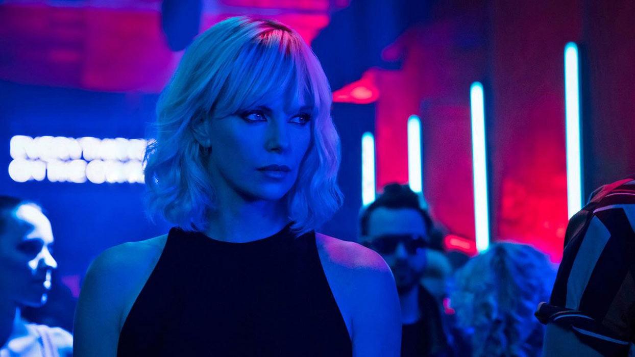 charlize-theron-atomic-blonde-critique-film-David-Leitch