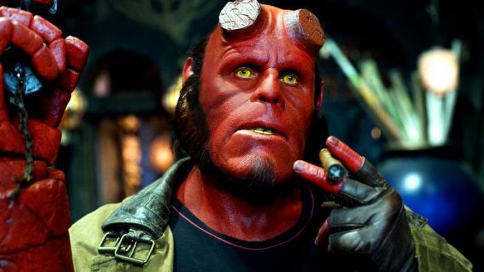 hellboy-ronperlman-film-cigare-film-del-toro
