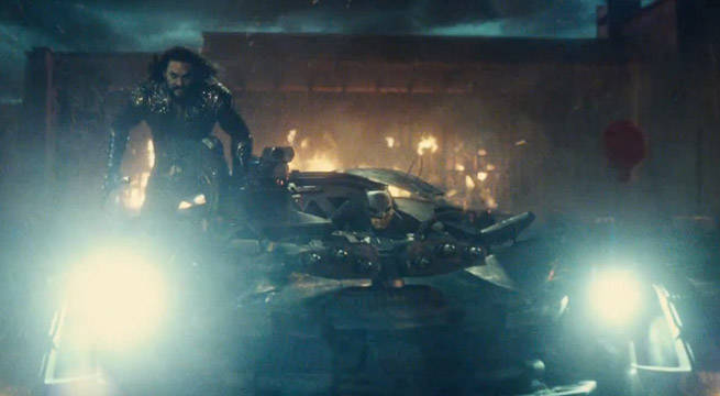 aquaman-batmobile-justiceleague-jasonmomoa
