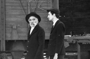 la-juste-route-ferenc-torok-film-critique-ivan-angelusz-marcell-nagy