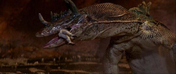 le-monde-perdu-gare-a-l-iguane-enfin-au-dinosaure