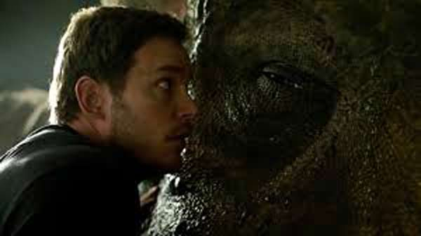 Jurassic-World-Fallen-Kingdom-Chris-Pratt-dinosaure
