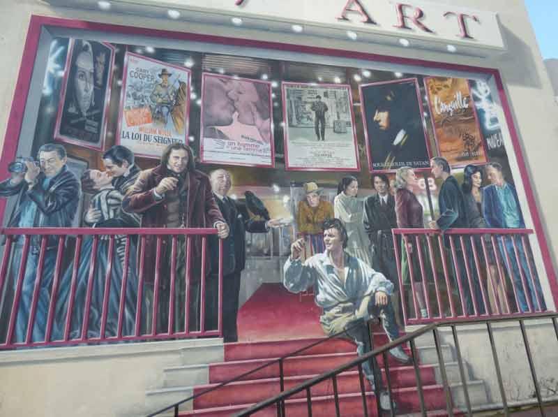 Le-7e-art-cannes-pont-carnot-Place-du-18-juin-mur-peint-fresque-films-affiches-1