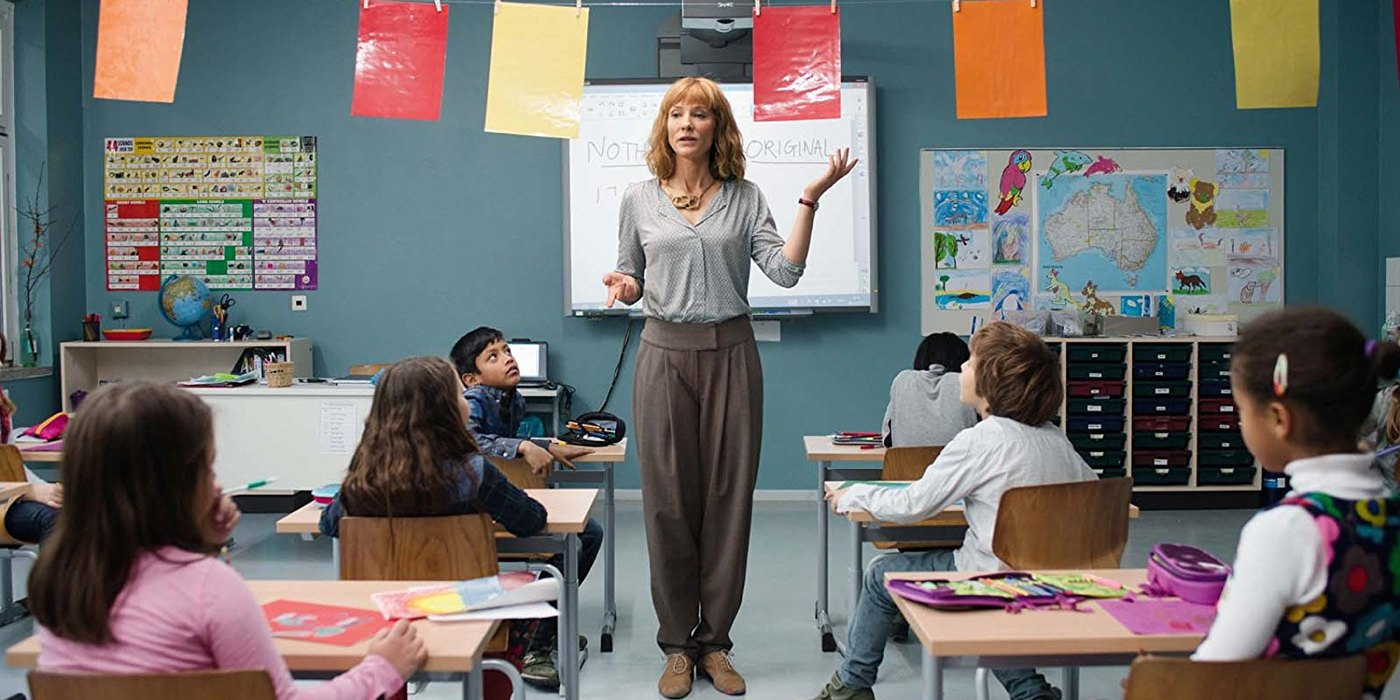 manifesto-julian-rosefeldt-film-critique-cate-blanchett-enseignante