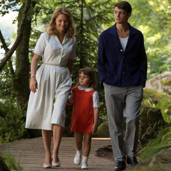 un-amour-impossible-catherine-corsini-film-critique-niels-schneider-virginie-efira-chantal-enfant