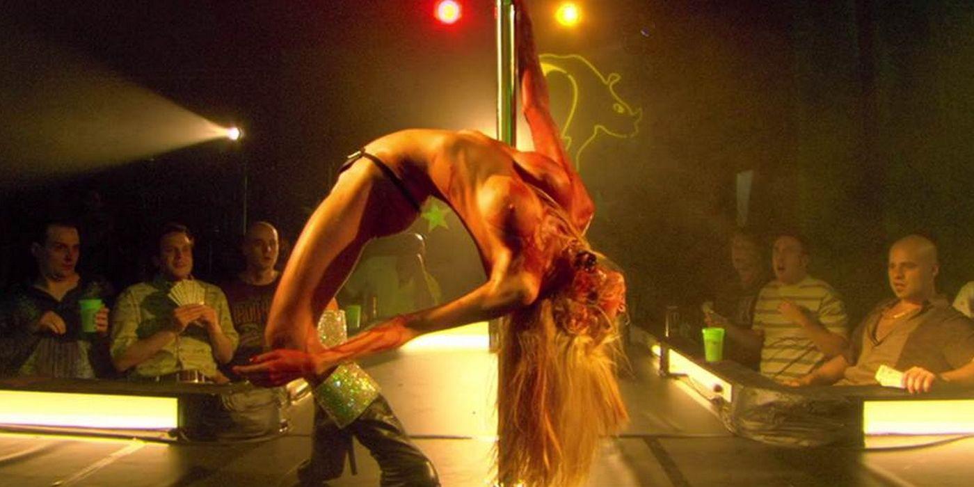 zombie-strippers-jenna-jameson-strip-zombie