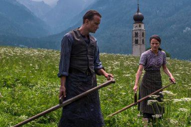 une-vie-cachee-terrence-malick-film-critique-august-diehl-calerie-pachner