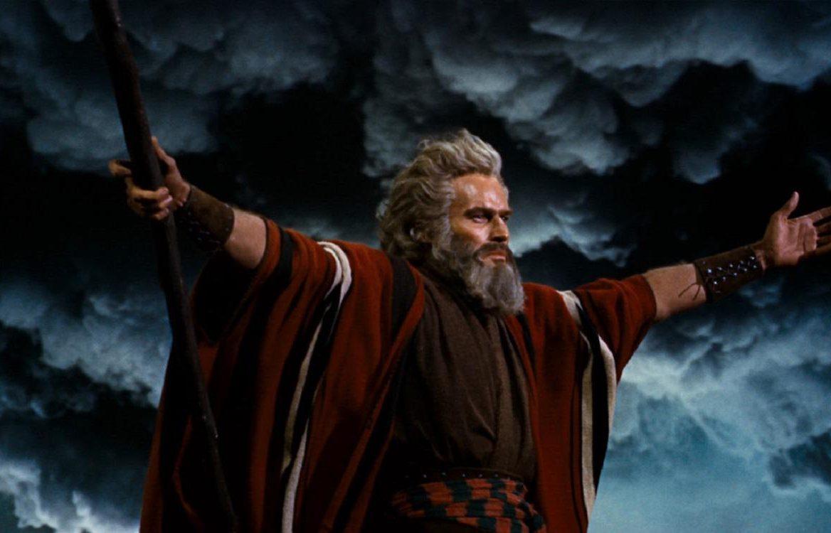 les-dix-commandements-cecil-b-demille-charlton-heston-yul-brynner-anne-baxter-critique-film